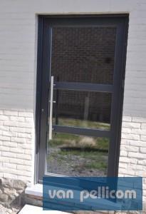 Remplacer une porte les crit res les plus importants - Placer une porte en kit ...