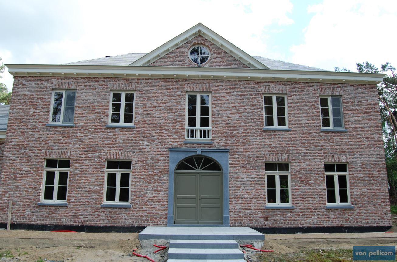Des fen tres rustiques garantissent charme et originalit - Stijl des maisons ...