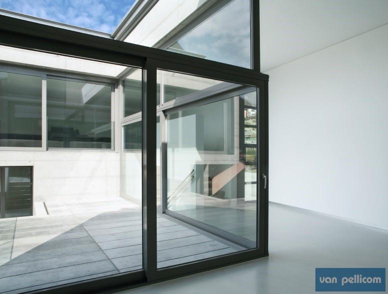 de voordelen van de verschillende soorten glasfolie. Black Bedroom Furniture Sets. Home Design Ideas